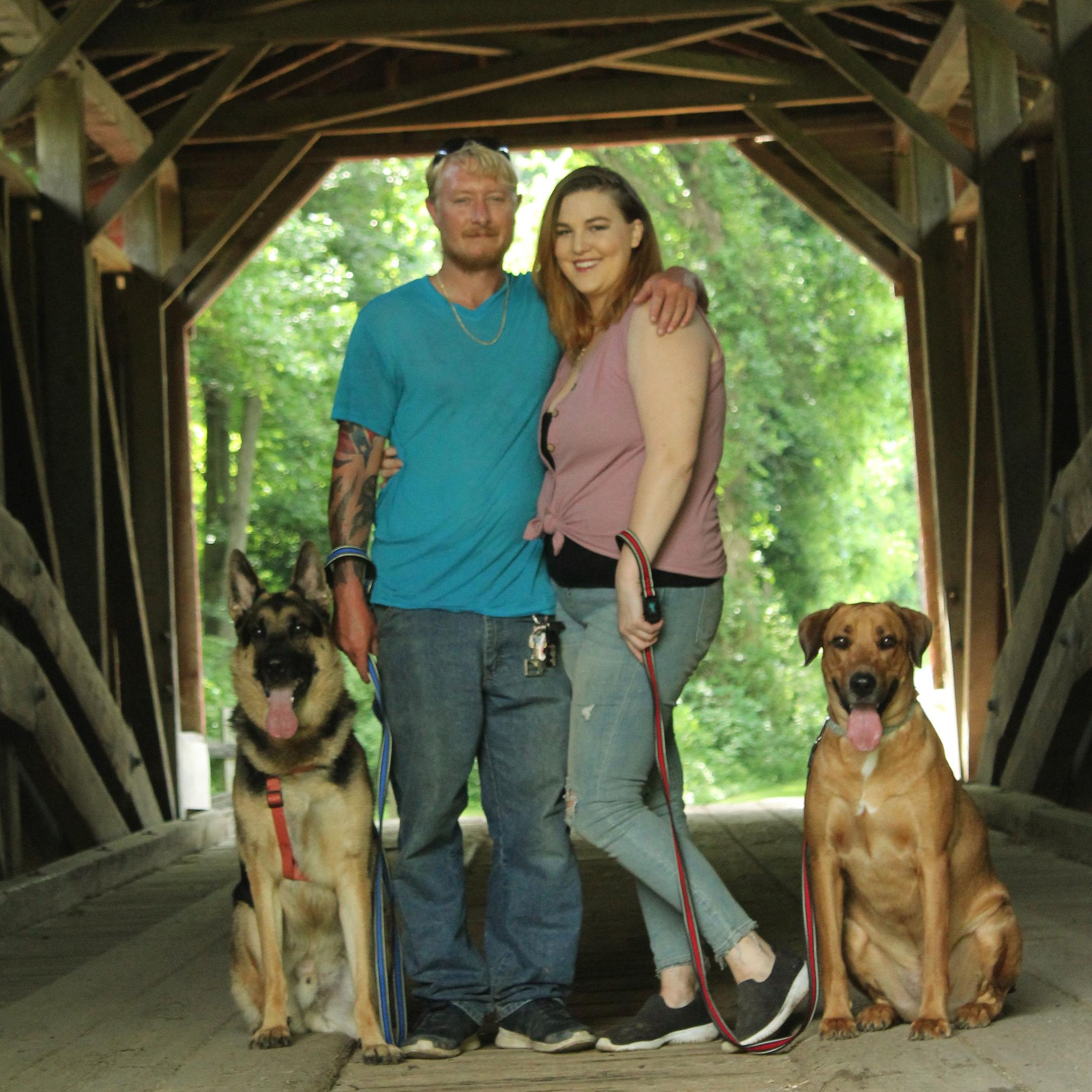 alexandra-craig-w-boyfriend-and-dogs